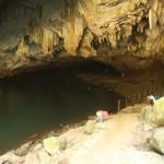 nochmal ein Blick zurück den Höhleneingang